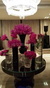 Композиция для центрального стола приемной. Состав: орхидея аранда, гвоздика, анемона Стоимость: 38500р