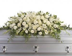 Надгробная композиция из живых цветов