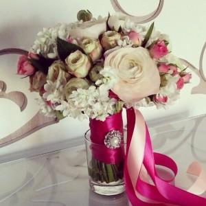 Букет невесты. Ранункулюсы, нарциссы, розы английские, розы кустовые