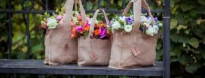 Сумки из мешковины для цветов - наша новая разработка для модного букета. Практично, стильно,удобно.