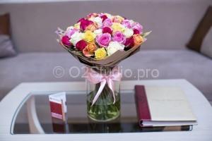 Букет из разноцветных роз. 51шт = 2000р.